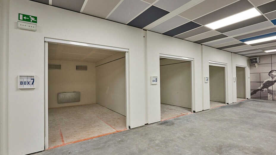 BE, Wijnegem Rockfon training center, mono acoustic training rooms seen from the outside